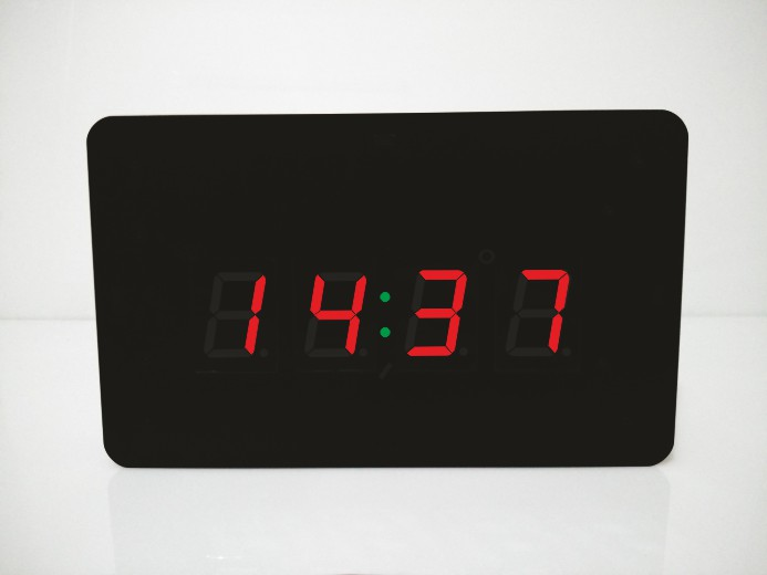 ساعت دیواری دیجیتال مدل کامپکت